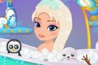 Bebé de Elsa en la Bañera